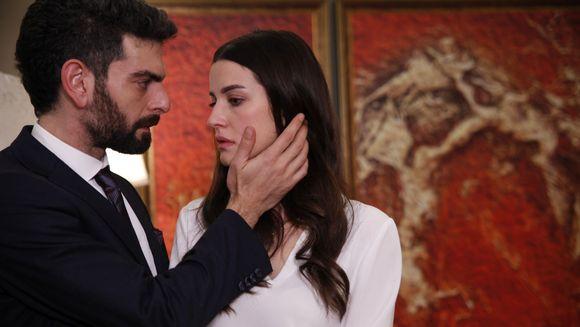 """Serialul fenomen """"Lacrimi la Marea Neagra"""" va incepe pe 2 septembrie si va fi difuzat cinci zile pe saptamana!"""