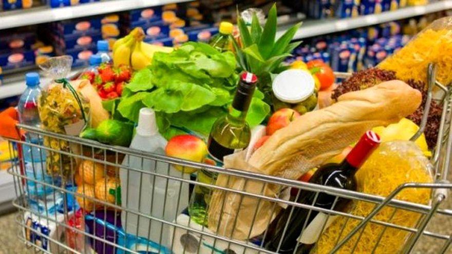 Ne-a crescut puterea de cumpărare? Cu salariile super-mărite de azi luăm de fapt mai puțini cartofi decât cumpăram acum 5 ani când aveam venituri mult mai mici (analiză)