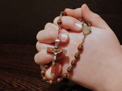 Rugaciuni puternice. Ce rugaciuni sa spui cand ai nevoie de un miracol. Cum se spun rugaciunile