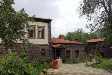 "Imagini, in exclusivitate, din Turcia, din casa unde se filmeaza ""Lacrimi la Marea Neagra"""