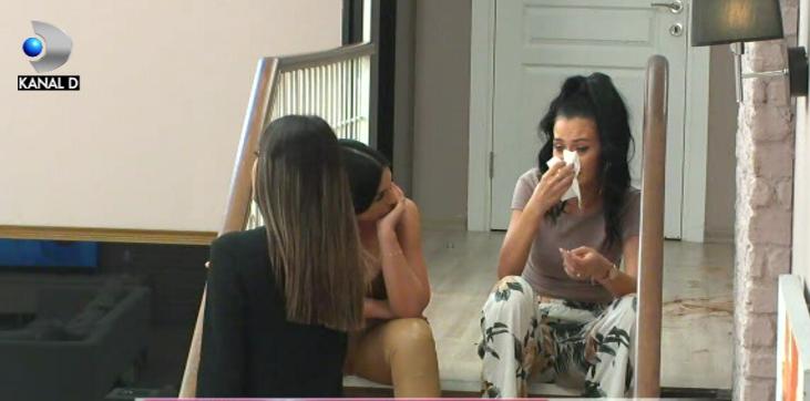 "Livian si Andreea, singuri in camera rosie! ""M-am saturat! Nu mai pot!"" Iata cum a reactionat Bianca si cine a fost cel care a consolat-o!"