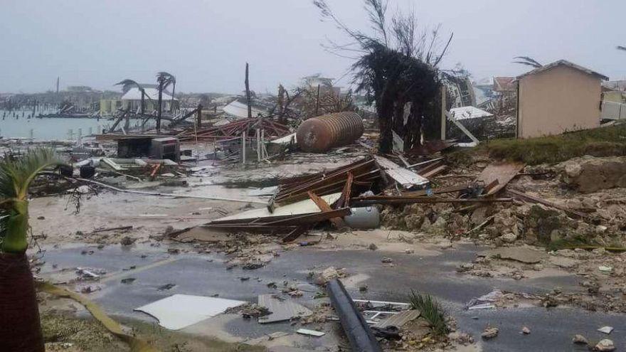 E catastrofa in Bahamas! Uraganul Dorian a ucis cel putin 5 oameni si a distrus peste 13.000 de locuinte