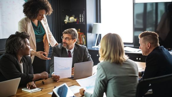 Afla ce trebuie sa verifici obligatoriu inainte de a colabora cu o firma