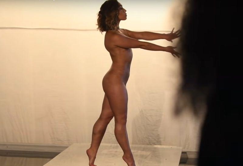 nud gimnasta de 10