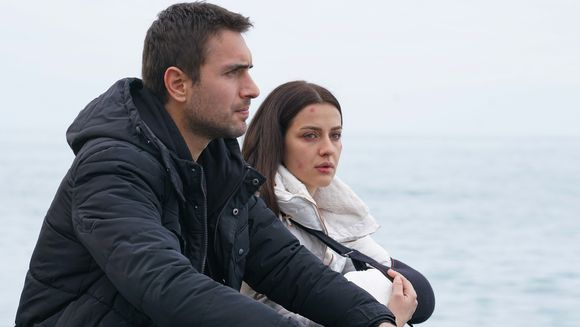 """Astazi, in serialul """"Lacrimi la Marea Neagra"""": Cea mai grea alegere pentru Nefes! Ce ii propune diabolicul Vedat in schimbul copilului?"""