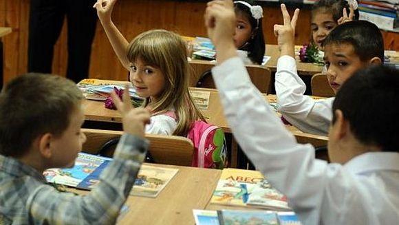 Prima zi de scoala e grea pentru parinti. De ce? Iata scrisoarea unei mame adresata Lumii