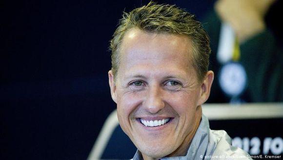 Michael Schumacher dus de urgenta la un spital din Paris. Ce se intampla cu marele campion