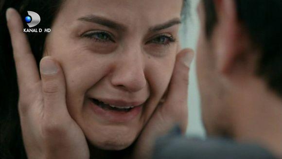 """Nefes ia cea mai dureroasa decizie! Afla ce se va intampla cu povestea de iubire dintre ea si Tahir si cum va actiona Vedat pentru a-si atinge scopul, in aceasta seara, intr-un nou episod din serialul """"Lacrimi la Marea Neagra"""", de la ora 20:00, la Kanal D"""