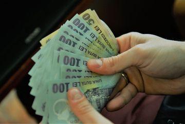 Se dau bani de la stat: pana la 1.000 de lei lunar pentru fiecare! Cum se intra in posesia banilor