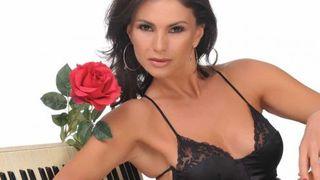 Ramona Badescu, mama la 50 de ani. Cum arata vedeta insarcinata