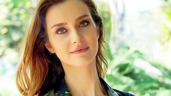 """""""Nefes Zorlu"""", numele protagonistei din serialul """"Lacrimi la Marea Neagra"""", o semnificatie aparte! Iata ce inseamna limba turca si de ce au ales scenaristii acest nume pentru eroina productiei!"""