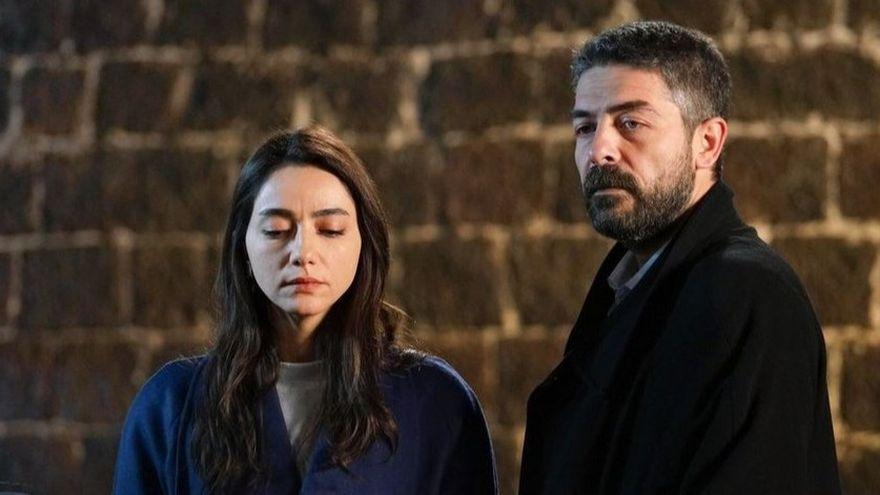 """Asiye din serialul """"Lacrimi la Marea Neagra"""" imbina cu succes actoria si muzica! Iata detalii inedite din culisele vietii celebrei Oyku Gurman!"""