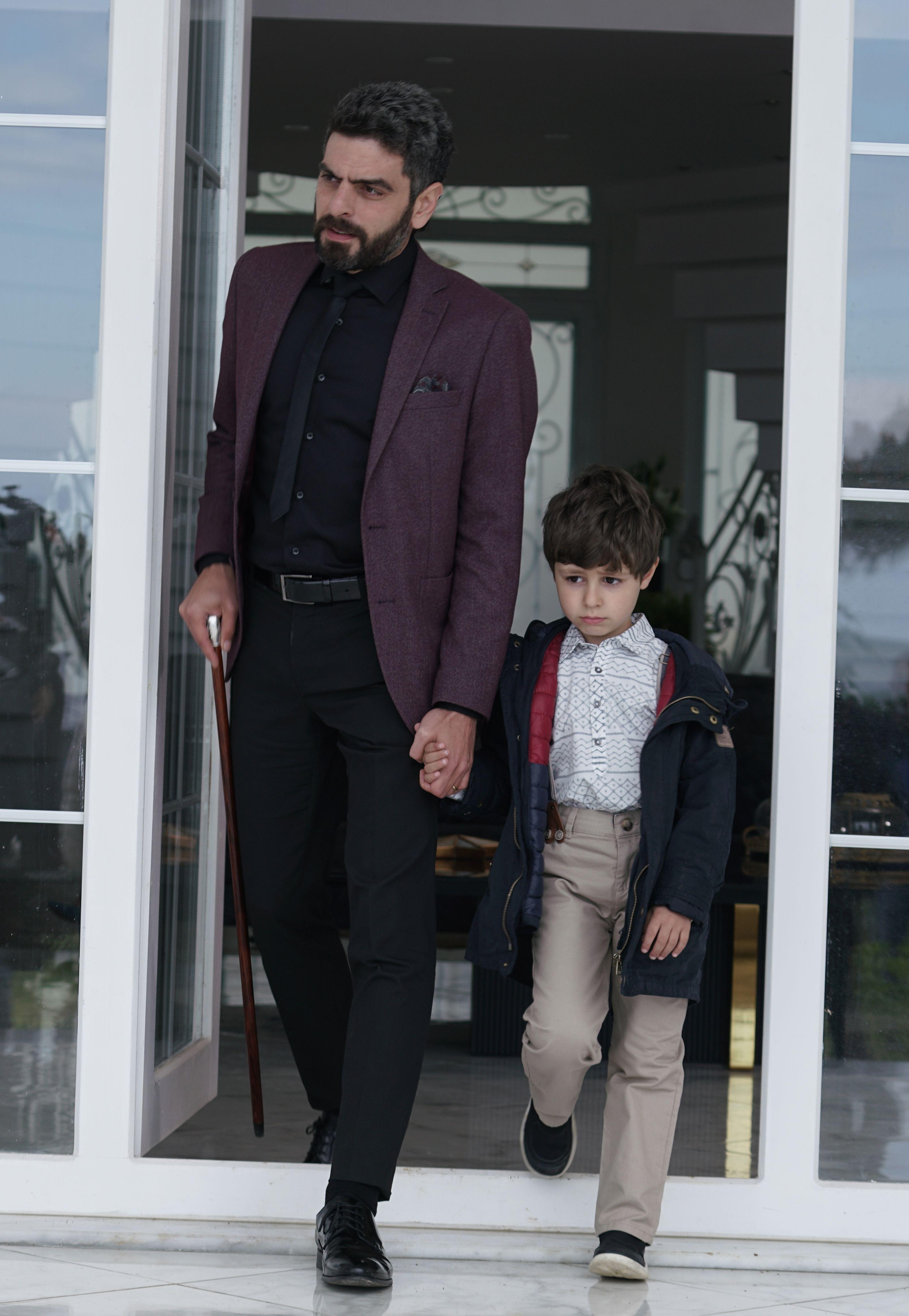 """Nefes si Tahir incearca din rasputeri sa il recupereze pe Yigit! Afla ce masuri va lua Vedat impotriva dusmanilor sai, in aceasta seara, intr-un nou episod din serialul """"Lacrimi la Marea Neagra""""!"""