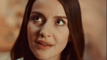 """Nefes din serialul """"Lacrimi la Marea Neagra"""", sarbatorita pe platourile de filmare! Cea mai mare surpriza a venit din partea micutul Yigit! Iata cum a fost surprinsa frumoasa İrem Helvacıoğlu de ziua sa de nastere!"""