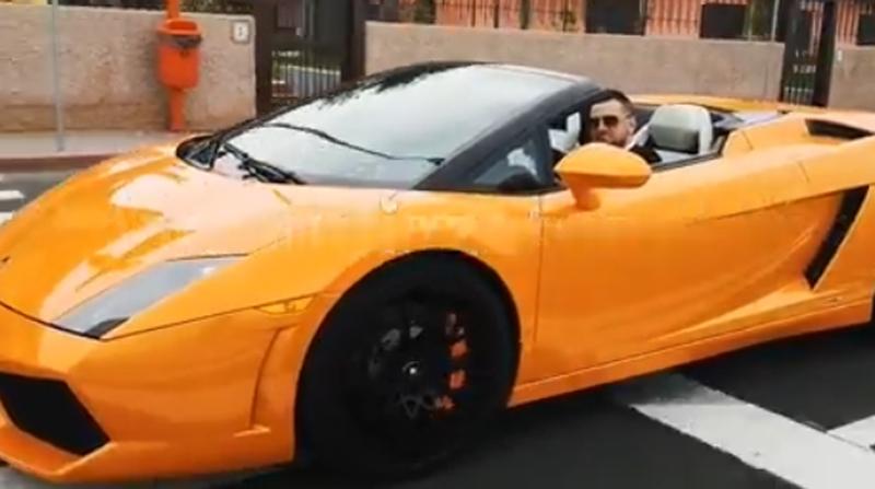 Ce masina de lux conduce Fizz!