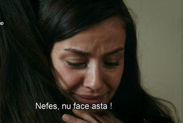 """Nefes, pe cale sa renunte la Tahir! Afla cum va reactiona tanarul si ce se va intampla cu cei doi indragostiti, in aceasta seara, intr-un nou episod din serialul """"Lacrimi la Marea Neagra"""", de la ora 20:00, la Kanal D!"""