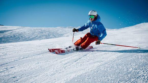 Prima data pe schiuri? Iata 3 greseli pe care sa le eviti atunci cand inveti sa schiezi