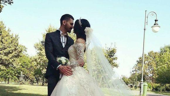 Imagini nemaivazute de la nunta lui Mihai! Un fost concurent ''Puterea dragostei'' i-a fost CAVALER de onoare!