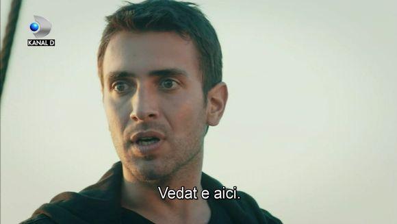 """Tahir incearca sa fuga in Rusia, alaturi de Nefes si de micul Yigit! Afla ce capcana le va intinde Vedat, chiar in clipa in care sperau ca au scapat de cosmar, ASTAZI, intr-un nou episod din serialul """"Lacrimi la Marea Neagra"""", de la ora 20:00, la Kanal D!"""