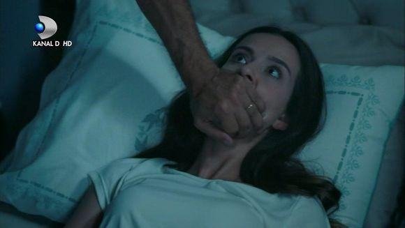 """Nefes, in pericol de moarte! Afla la ce masuri va recurge Vedat pentru a-si potoli setea de razbunare impotriva lui Tahir, in aceasta seara, intr-un nou episod din serialul """"Lacrimi la Marea Neagra"""", de la ora 20:00, la Kanal D!"""