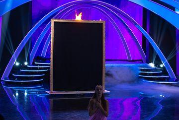 """Panica la """"Imi place dansul""""! Unui concurent al emisiunii de la Kanal D i-a luat foc recuzita!"""
