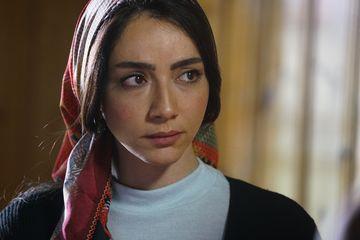 """Öykü Gürman, """"Asiye"""", din serialul """"Lacrimi la Marea Neagra"""", o artista completa"""