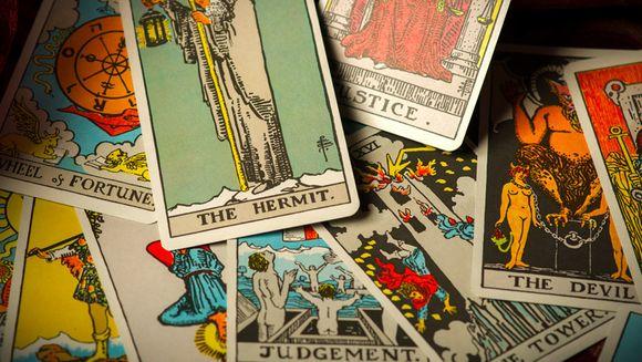 Horoscop tarot OCTOMBRIE. Mesajul cartilor mistice pentru fiecare zodie