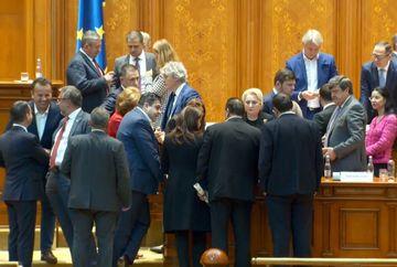Ultima oră: Guvernul PSD a picat! Moțiunea, votată de 238 de persoane