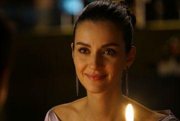 """Nefes, vis implinit! Afla cum vor reusi Tahir si sotia lui sa il inlature pe Vedat din calea fericirii lor, in aceasta seara, intr-un nou episod din serialul """"Lacrimi la Marea Neagra"""", de la ora 20:00, la Kanal D!"""