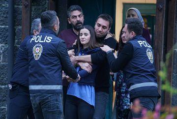 """Tahir si Vedat """"negociaza"""" libertatea lui Nefes! Afla ce planuieste diabolicul Vedat impotriva fostei sale sotii, in aceasta seara, intr-un nou episod din serialul """"Lacrimi la Marea Neagra"""", de la ora 20:00, la Kanal D"""