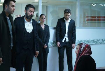 """Nefes, alungata din casa! Afla cum va reactiona Saniye si ce conditii ii va impune lui Tahir, in aceasta seara, intr-un nou episod din serialul """"Lacrimi la Marea Neagra"""", de la ora 20:00, la Kanal D"""