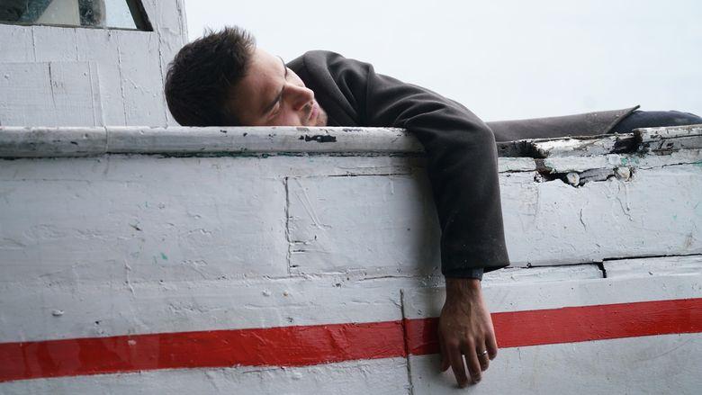 """Tahir, disparut pe mare! Nefes pleaca in cautarea sotului ei! Afla ce se va intampla cu cei doi indragosti, in aceasta seara, intr-un nou episod din serialul """"Lacrimi la Marea Neagra"""", de la ora 20:00, la Kanal D!"""