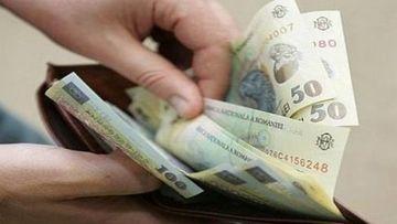 Se dau bani de la stat! Zeci de mii de români s-au trezit cu sumele în conturi! Verifică-ți cardul!