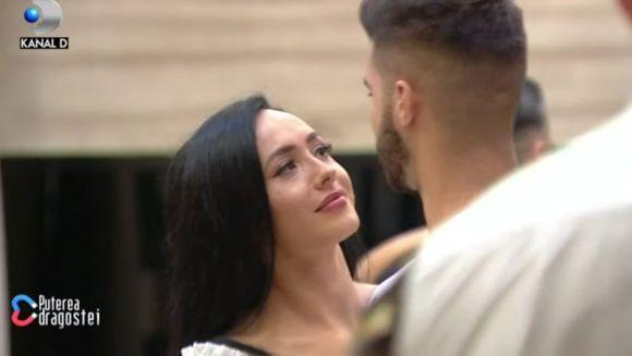 """Ella și Iancu, următorul cuplu care se va anunța în casă? Ce gest romantic a făcut fratele lui Culiță pentru brunetă! Denisa suferă: """"Am fost geloasă"""""""