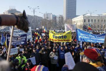 Este protest de Ziua Armatei. Legea pensiilor si a salariilor scoate in strada 20.000 de oameni