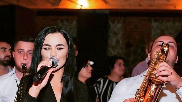 Carmen de la Salciua o lanseaza pe sora ei in muzica. Ce a spus Daniela despre informatia momentului