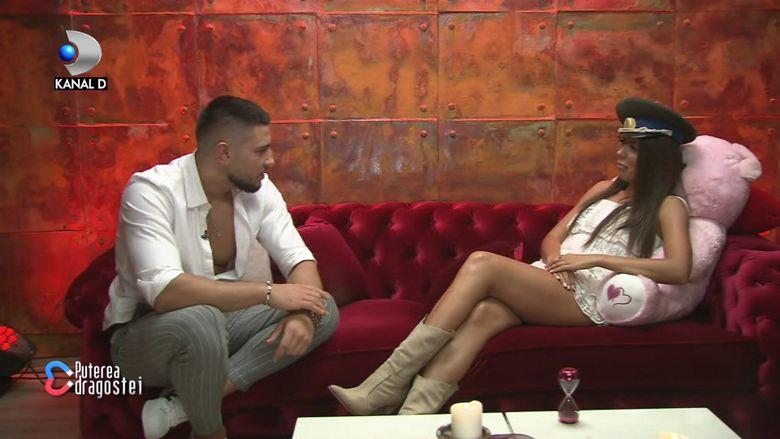 """Mocanu și Roxana, împreună în camera roșie! Ce și-au spus cei doi foști iubiți: """"Se vede dragostea"""""""
