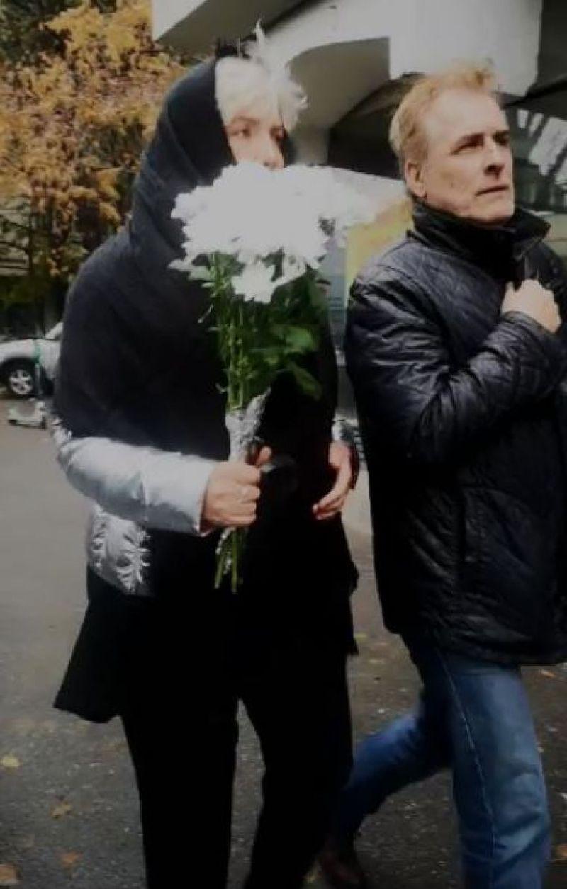 Silvia Dumitrescu la inmormantarea lui Mihai Constantinescu