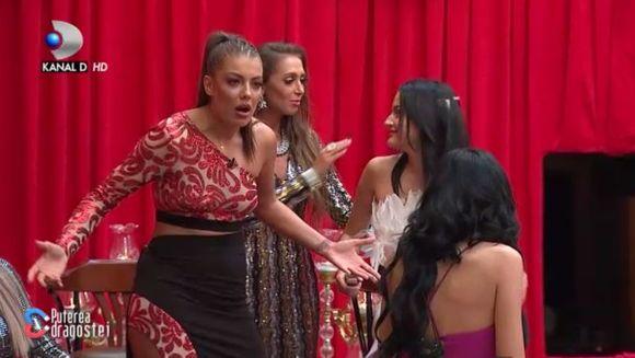 """Momente socante in GALA """"Puterea dragostei""""! Roxana a sarit sa o bata pe Bianca! Iata de ce si-au declarat razboi cele doua concurente si pana unde a ajuns cearta lor crunta!"""