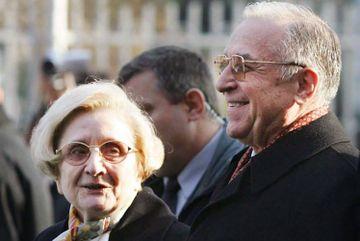 Ion Iliescu are un fiu secret, care o duce regeste. Unde lucreaza si cat incaseaza Mihai Sion