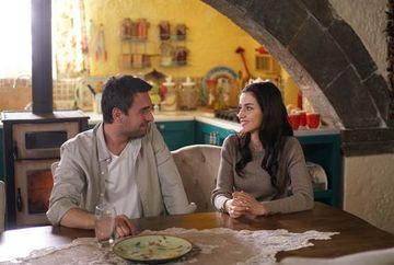 """Nefes ii da vestea cea mare lui Tahir! Afla ce anume se va intampla in familia Kaleli, in aceasta seara, intr-un nou episod din serialul """"Lacrimi la Marea Neagra"""", de la ora 20:00, la Kanal D!"""