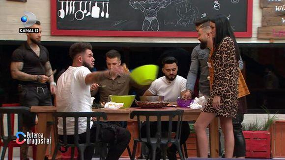"""Ricardo și Manuela, scandal după despărțire: """"Trăgeai de Jador""""! Ce replică a avut ea! E convinsă că între Ricardo și Roxana este ceva"""