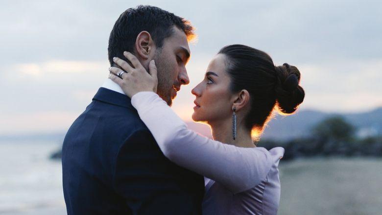 """Tahir si Nefes, protagonistii serialului """"Lacrimi la Marea Neagra"""", impreuna la Cannes! Iata cum au fost surprinsi cei doi actori pe covorul rosu!"""