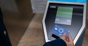 Veste buna! De astazi se intra cu cardul contactless la metrou. Cum functioneaza noul sistem de taxare Metrorex