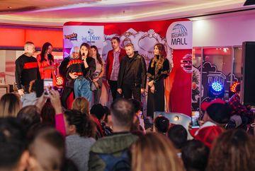 Vedetele Kanal D au dat startul Sarbatorilor de iarna!Simona Patruleasa si-a aniversat ziua de nastere alaturi de sute de oameni, in cadrul evenimentului din Bucuresti Mall - Vitan