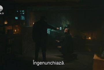 """Cevdet, la un pas de a-l ucide pe Tevfik, fostul lui camarad! Afla ce secret va dezvalui barbatul pentru a-si salva viata, in aceasta seara, intr-un nou episod din serialul """"Patria mea esti tu"""", de la ora 23:00, la Kanal D!"""