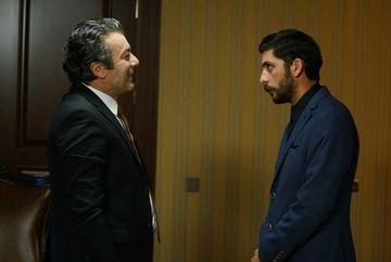 """Hazan, sechestrata! Afla la ce masuri extreme va recurge Tarik pentru a ramane definitiv alaturi de Hazan, in aceasta seara, intr-un nou episod din serialul """"Lacrimi la Marea Neagra"""", de la ora 20:00, la Kanal D!"""