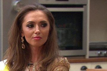 Virgina Mariana s-a DEZGOLIT fara nicio jena! Comentariile incredibile ale fanilor: ''S-au ofilit si florile''