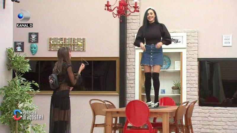Mariana si Ella, la un pas de bataie