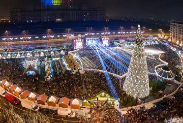 """S-au aprins luminitele de Craciun 2019 la Bucuresti. Cat au costat cele 10 milioane de beculete cu tema """"Euro 2020 – Bucureşti, oraş gazdă"""""""